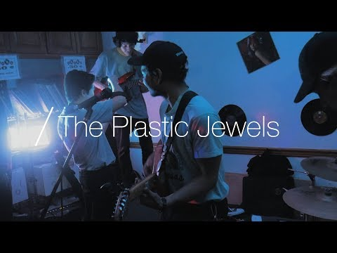 The Plastic Jewels | Desert Frequency (Episode 1)